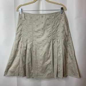 - EUC BURBERRY LONDON EYELET SKIRT SIZE 6